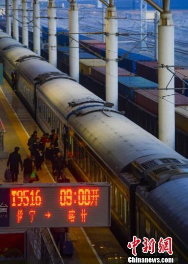 两对喀什至乌鲁木齐方向的旅客列车将调整运行区段延